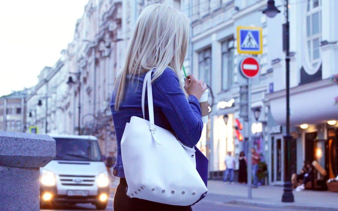 Pourquoi choisir un sac à main pour les cours?